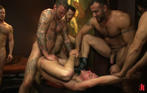 Bound In Public Gay Hunks With Sexy Hot Bodies Enjoy