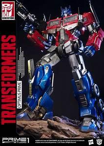 Premium Masterline Transformers  Generation 1 Optimus