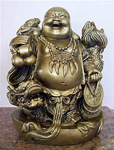 Buddhist Statues :: Laughing Buddha and Protective Dragon