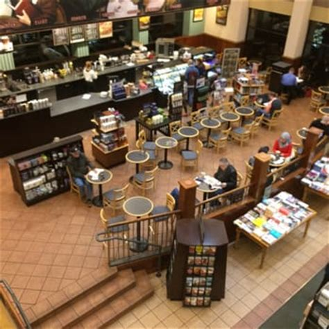 barnes and noble reno barnes noble booksellers 57 photos 76 reviews
