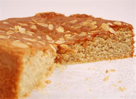 dessert avec du miel g 226 teau au miel et aux amandes recette illustr 233 e simple