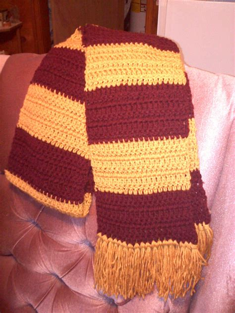 two color easy two color striped scarf crochet pattern cool stuff