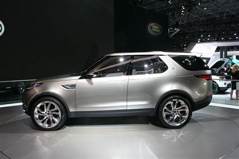 Land Rover Discovery Vision Concept Live