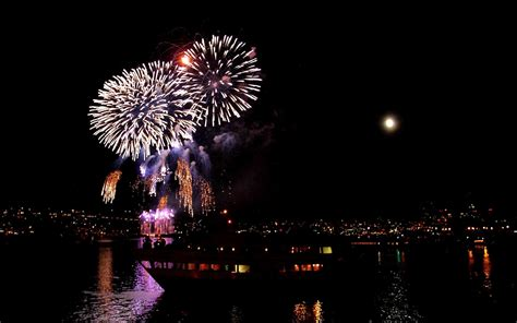 4th Of July  21+ Feat Lake Union Fireworks Show