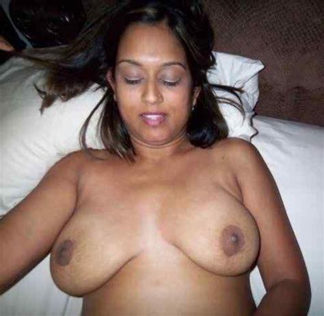 Hot Nangi Desi Indian Aunty Big Boobs Sexy Chut