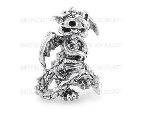 Тонкое кольцо из серебра с эмалью в магазине «kravell» на..