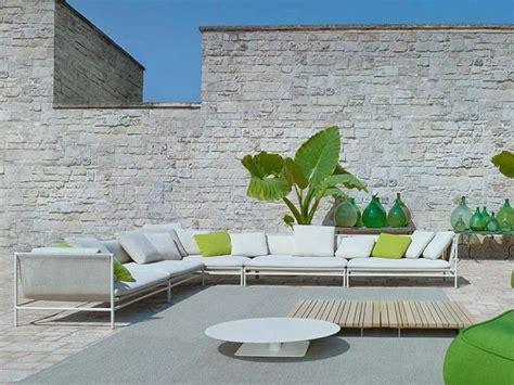 canap exterieur le canapé de jardin embellit votre espace extérieur