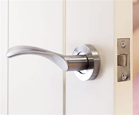 Modern Bathroom Door Handles by 25 Best Ideas About Door Handles On Bathroom