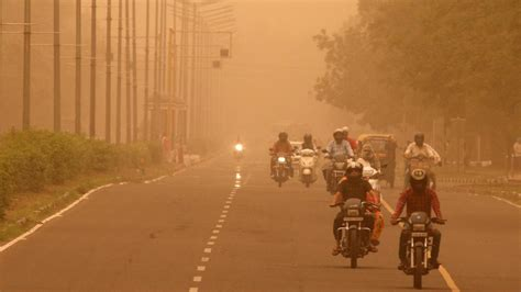 air pollution  pm reduces indian lifespan quartz