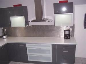cuisine contemporaine idees decoration chainimage With idee deco cuisine avec modele cuisine contemporaine