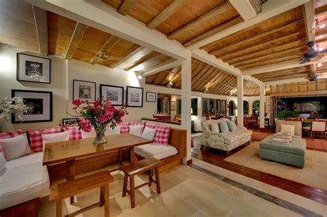 Ruang Tamu Minimalis Desain Rumah Adat Bali
