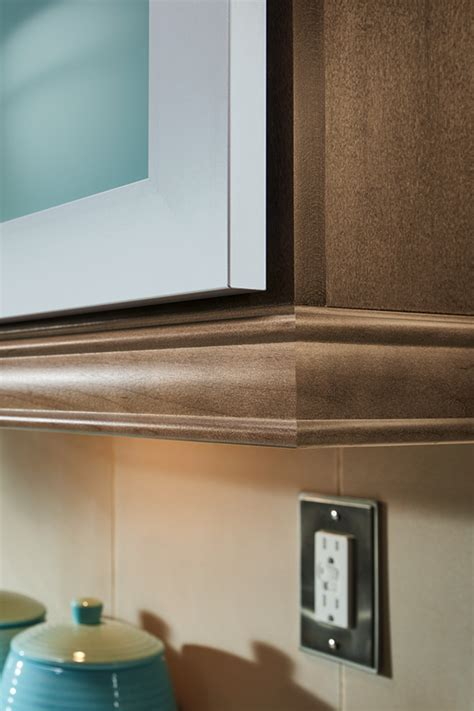 light rail moulding  cabinets homecrest cabinetry
