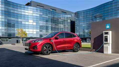 Ford In Hybrid 2020 by 2020 Ford Kuga Debuts With A In Hybrid Variant