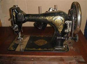 Ancienne Machine A Coudre : ancienne machine coudre helvetia meuble machine a ~ Melissatoandfro.com Idées de Décoration