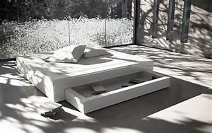 Bett Mit Stauraum 180x200 : bett somnium mit bettkasten design bett von rechteck ~ Frokenaadalensverden.com Haus und Dekorationen
