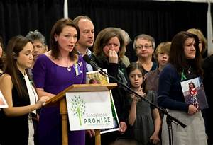 Feinberg meets with Sandy Hook families - NewsTimes