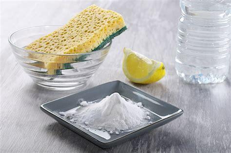 nettoyer un canap en tissu avec du bicarbonate de soude conseils comment nettoyer un canapé en tissu et enlever