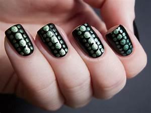 reptilian dot nail chalkboard nails nail