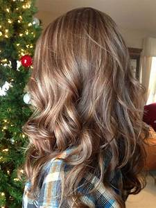 Medium length hair highlights with caramel color