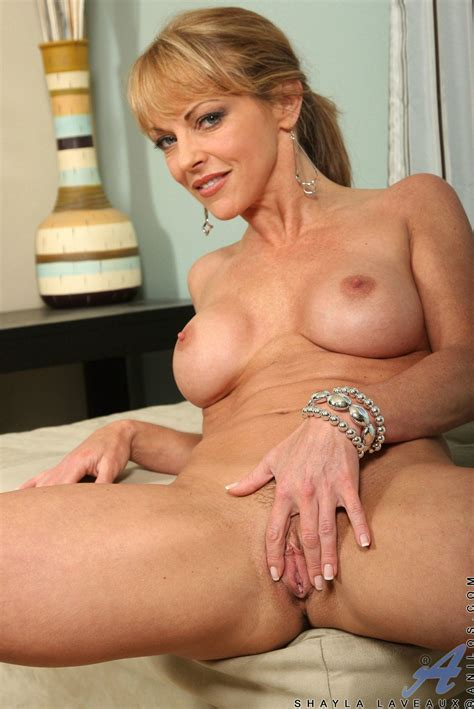 Hot Canadian Milf Entry - Sex Porn Pages