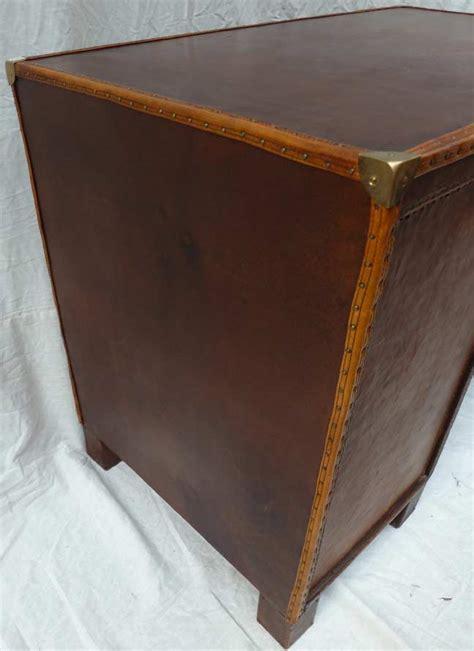 protection bureau cuir bureau cuir madebymed fauteuil restauration