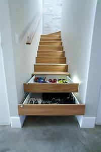 Treppe Mit Schubladen : schrank unter treppe und andere l sungen wie sie f r mehr stauraum sorgen holz haus deko ~ Watch28wear.com Haus und Dekorationen