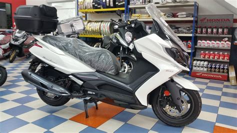 Modification Kymco Downtown 250i by Kymco Downtown 250i Abs Excel Cycle Sdn Bhd