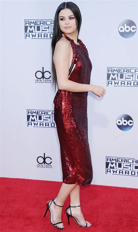 Selena Gomez Red Carpet Photos – Meeko Spark TV