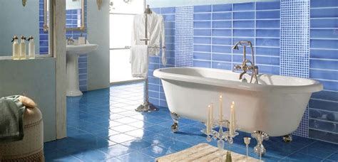 como decorar banos azules