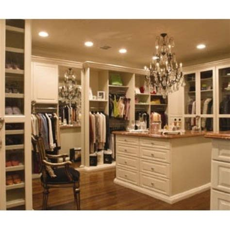 Master Closet With Washer And Dryer by Master Closet Http Cheapclosetideas See These