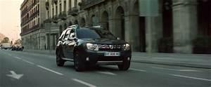 Pub Dacia Duster : dacia duster another one drives a duster packshotmag ~ Gottalentnigeria.com Avis de Voitures