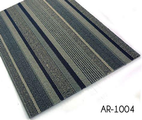 Hotel Corridor Striped Moquette Carpet Tiles   TopJoyFlooring