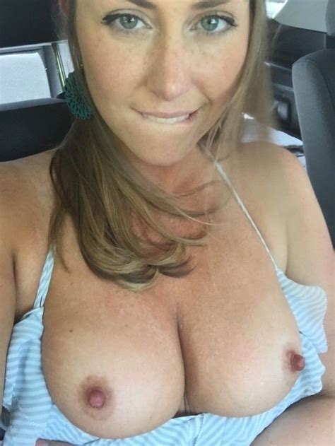 driving topless Archives | WifeBucket | Offical MILF Blog