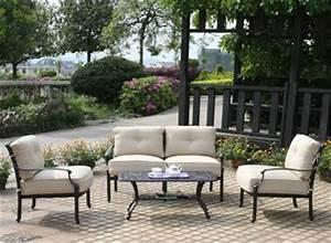 Salon De Jardin Fer Forgé Occasion : salon de jardin en fer table terrasse maisonjoffrois ~ Teatrodelosmanantiales.com Idées de Décoration