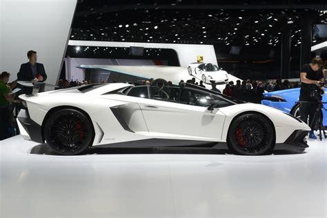 lamborghinis aventador sv roadster  hot
