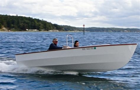 Wooden Boat Plans Center Console by Pt Skiff Woodenboat Magazine