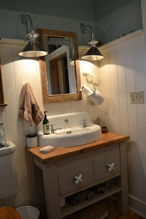 Inexpensive Modern Bathroom Lighting by 36 Inexpensive Farmhouse Bathroom Light Fixtures Ideas