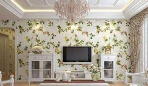 memasang wallpaper dinding rumah sendiri