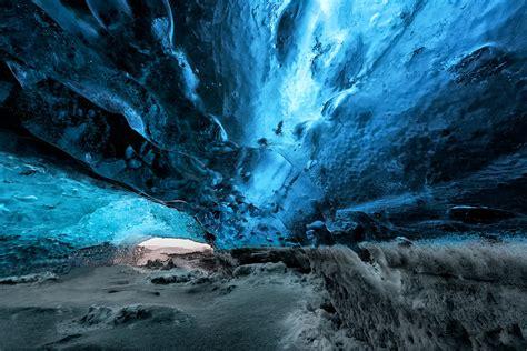 vatnajoekull blue ice cave   vatnajoekull glacier