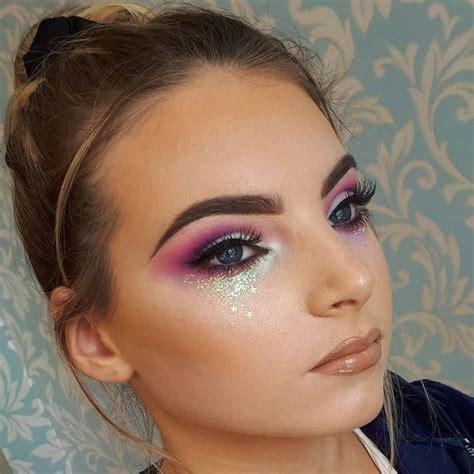 glitzer make up fasching fasching schminke glitzer augen make up gold sternchen coachella in 2019 glitter makeup