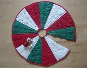 sew quilt pattern christmas tree skirt by amandajanetextiles