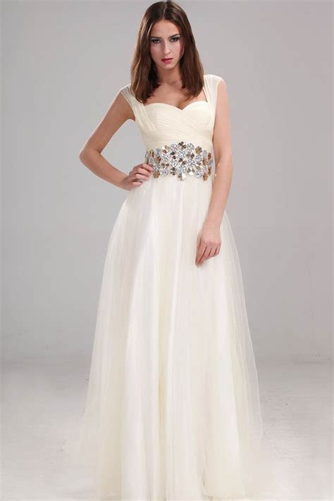 dresses for christmas party can be elegant but simple