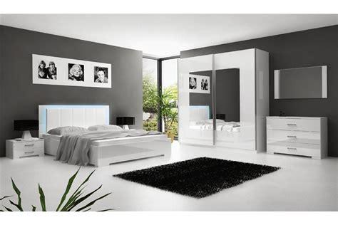 comment décorer ma chambre à coucher comment decorer une chambre a coucher adulte