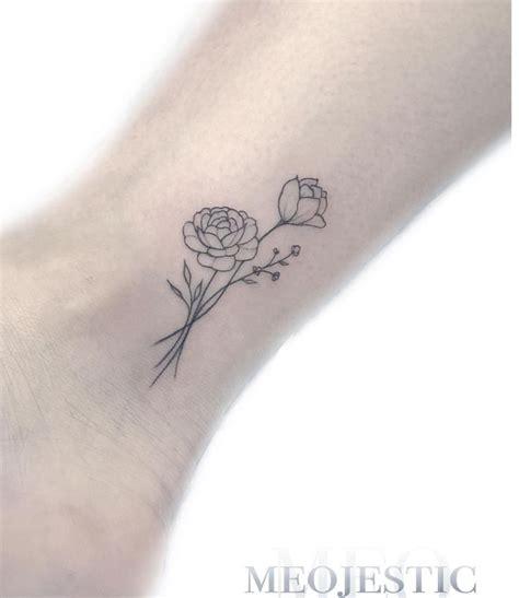 foto de Tatouage minimaliste Tatouage pivoine Petit tatouage poignet