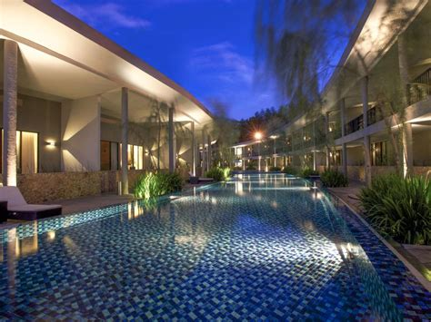 hotel neo  green savana sentul bogor indonesia mulai