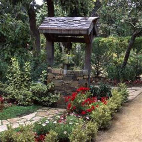 How to Landscape Around a Wishing Well
