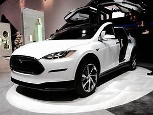 Tesla Porte Papillon : tesla model x voiture lectrique du futur sur notre blog ~ Nature-et-papiers.com Idées de Décoration