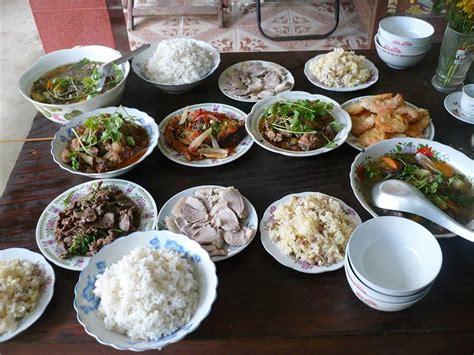 hanoi cuisine food customs