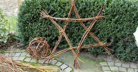 Weihnachtsdeko Aus Dem Garten by Weihnachtsdeko Ein Aus Zweigen Chrismas