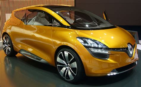 Renault Image by Renault R Space